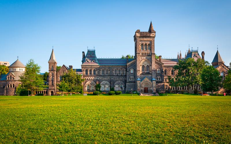 5-coisas-para-saber-antes-de-estudar-no-Canadá---Universidade---Ingles-Falado