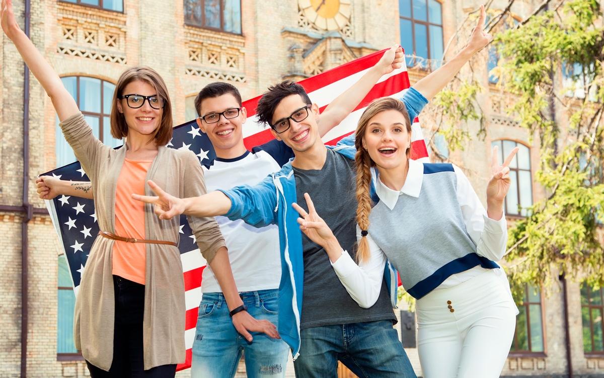 Dicas-de-como-fazer-o-ensino-médio-nos-EUA---Ingles-Falado